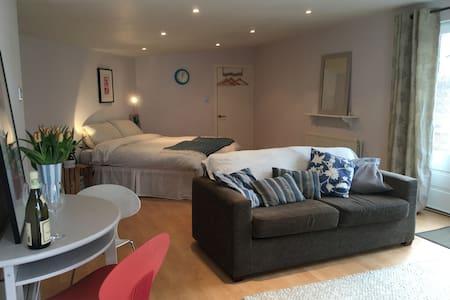 Wimbledon - studio apartment with private garden - Apartment