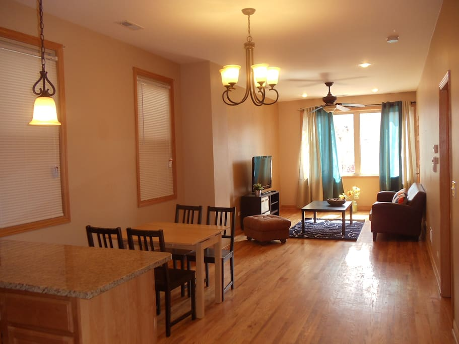 Spacious 2 Bedroom Apartment Apartments For Rent In Chicago
