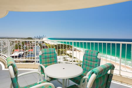 Spacious 1 Bedroom Unit with Stunning Ocean Views - Daire