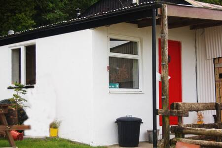 Charming walkers Beach side Bothy. - Appartement