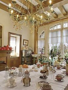 Chambre dans maison de maître. - Bed & Breakfast