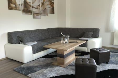 Glaneggerhof  ****Apartment 100qm mit Balkon - Lakás