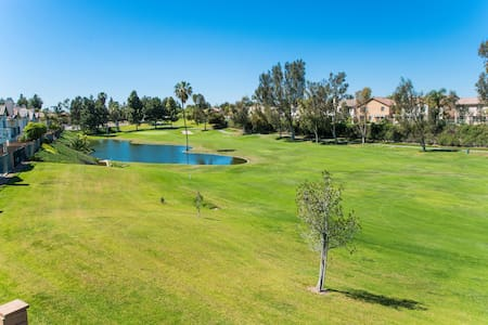 GOLF COURSE VIEW - 4 BD 1700 SQ FT - House