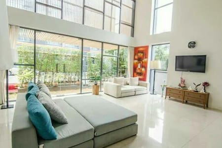 The square @  PHUKET TOWN CONDO - Daire
