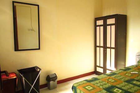 Room type: Entire home/apt Bed type: Real Bed Property type: House Accommodates: 2 Bedrooms: 2 Bathrooms: 1