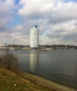 Schleswig, Apartment 12 Wikingturm - Wohnung