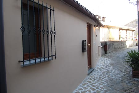 B&B La Casetta Centro storico Mondolfo. - Bed & Breakfast