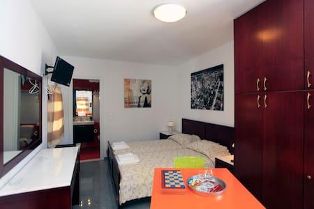 ΔΙΑΜΕΡΙΣΜΑ 2 ΑΤΟΜΩΝ ΣΤH ΣΙΚΙΝΟ - Apartment