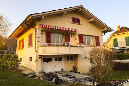 Large bedroom with shared bathroom - Mont-sur-Rolle - House