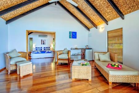 Tamanu Beachfront Bungalow - Villa