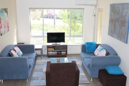 Alaura Views - Apartment near City - Victoria Park