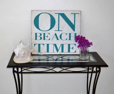 Casa Bella.  On Beach Time. - Fort Myers Beach - House