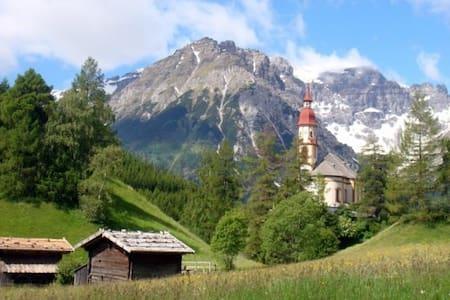 Wohnen in idyllischer Landschaft - Ház