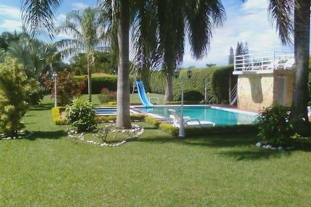 Hermosa Casa Campestre La Luisa - Rozo - Bungalow