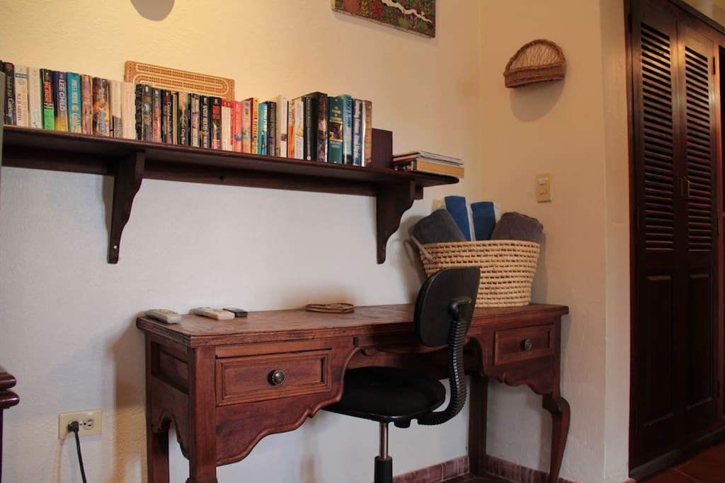 Villa Studio - Writing Desk