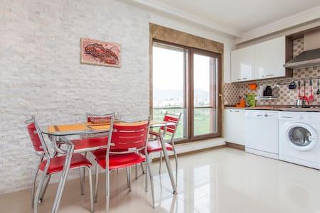 Luxury apartment with sea views - Apartemen