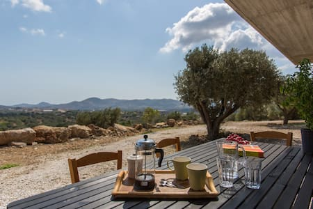 Athens countryside retreat near airport -solar100% - Koko kerros