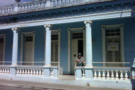 PIN-2.2 Colonial Sr Jose A Mesa - Lakás