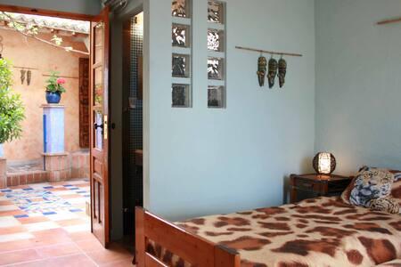 Kamer met 2 éénpersoonsbedden. - Bed & Breakfast