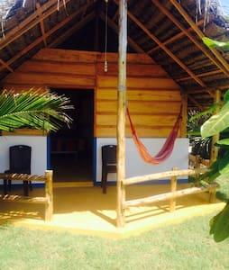 SAFA SURF CAMP - Arugam Bay - Oda + Kahvaltı