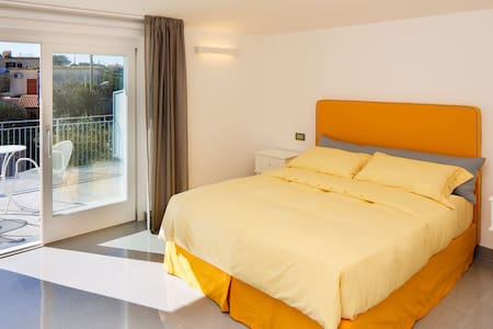 B&B COLARUSSO - MERCOLEDI' ROOM - Bed & Breakfast