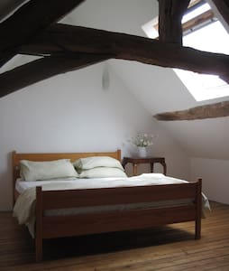 Lovely Stone Cottage - sleeps 6+ - Montreuil-Poulay - House
