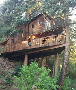 Rocky Mountain Treehouse - Carbondale