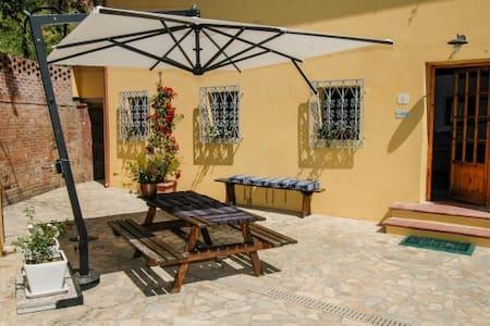 perfect hide away with pool sleeps6 - Vicopisano