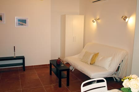 Studio with Balcony and Sea View (3 Adults) - Makarska