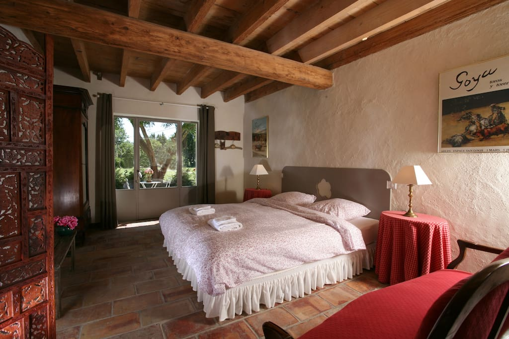 Chambre d 39 h tes en camargue bed breakfasts louer arles for Chambre hote arles