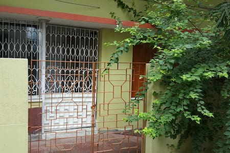 A Traditional Bengali Home in the City of Joy - Byt