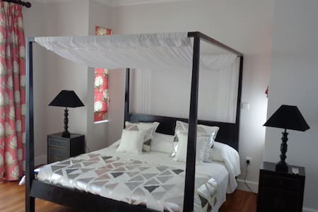 Deluxe double room in Chateau Elysium with terrace - Beau Vallon