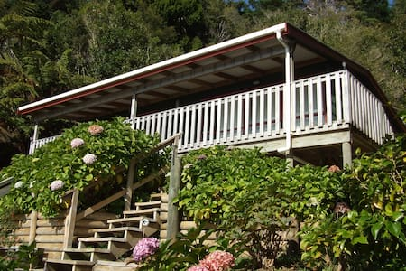 Bellbird Chalet - Havelock
