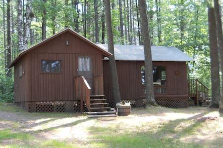 Spruce - Charming Trout Lake Cabin - Kisház