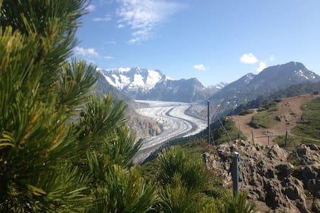 Alphütte , Traumhaftes Bergpanorama - Riederalp - Lomamökki