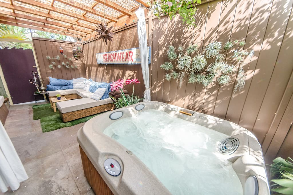 Side patio and jacuzzi