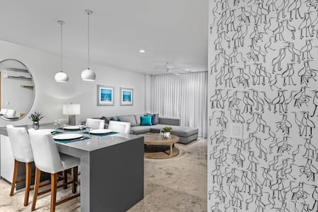 Playa's Luxury New Modern Suite...  - Apartment
