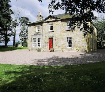 Wintonhill 6 Bedroom Farmhouse - Rumah