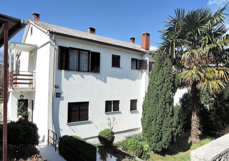 House is located in a quiet area, within the walking distance from the city center