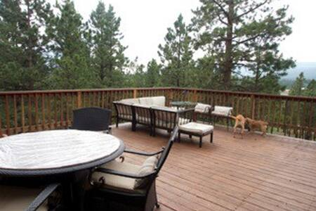 Awesome LOG CABIN close to ski/golf - Angel Fire - Casa
