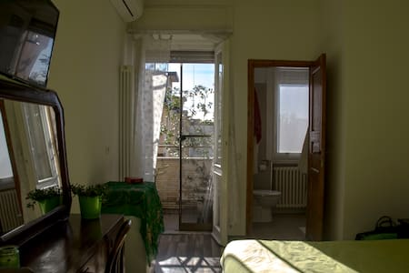 Green Corner with View in Milan - Mailand - Bed & Breakfast