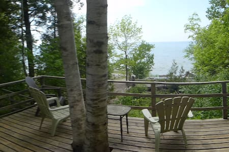 Cottage on Lake Huron - Southampton - Stuga