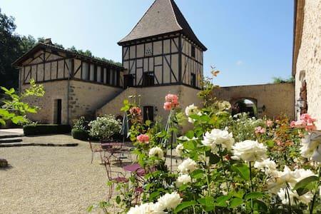 Les 2 suites de charme de Missandre - Pinel-Hauterive - Bed & Breakfast