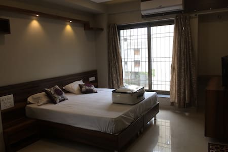 A Luxurios Room in Baner near KFC - House