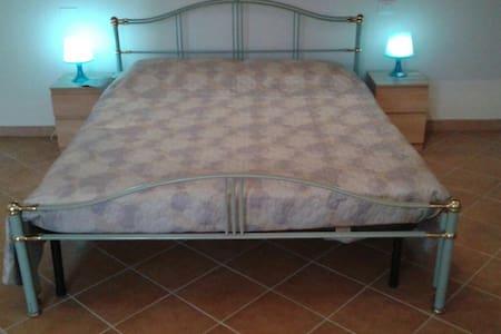 """BENVENUTI nella TANA DEL GRILLO """" - Fauglia - Apartemen"""