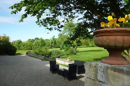 Le Clos Mayas-Calvados-Normandie - Bed & Breakfast
