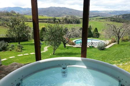 Exclusive villa with pool jacuzzi wifi and green - Villa