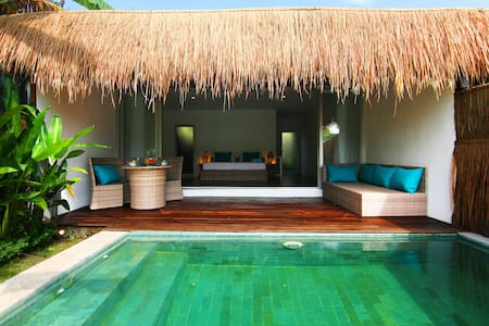 Tropical Suite Villa private pool 4 - Canggu - Bed & Breakfast