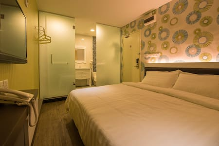 Room type: Private room Bed type: Real Bed Property type: Other Accommodates: 2 Bedrooms: 1 Bathrooms: 1