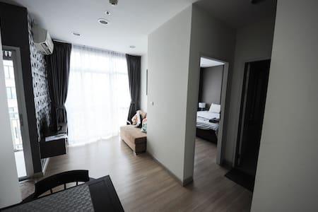 1BR LOFT STYLE PLATINUM CENTRAL CT1 - Bangkok - Apartamento